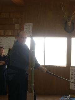 日本人より礼節に富んでいる方です。奥さんは日本語がとっても上手。